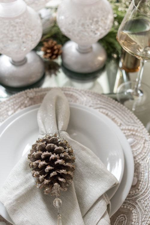 holiday tablescape, table setting, hostess