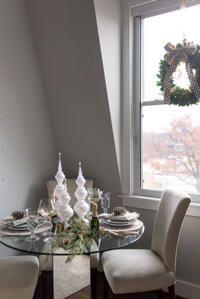 host holiday dinner, hostess, holiday tablescape