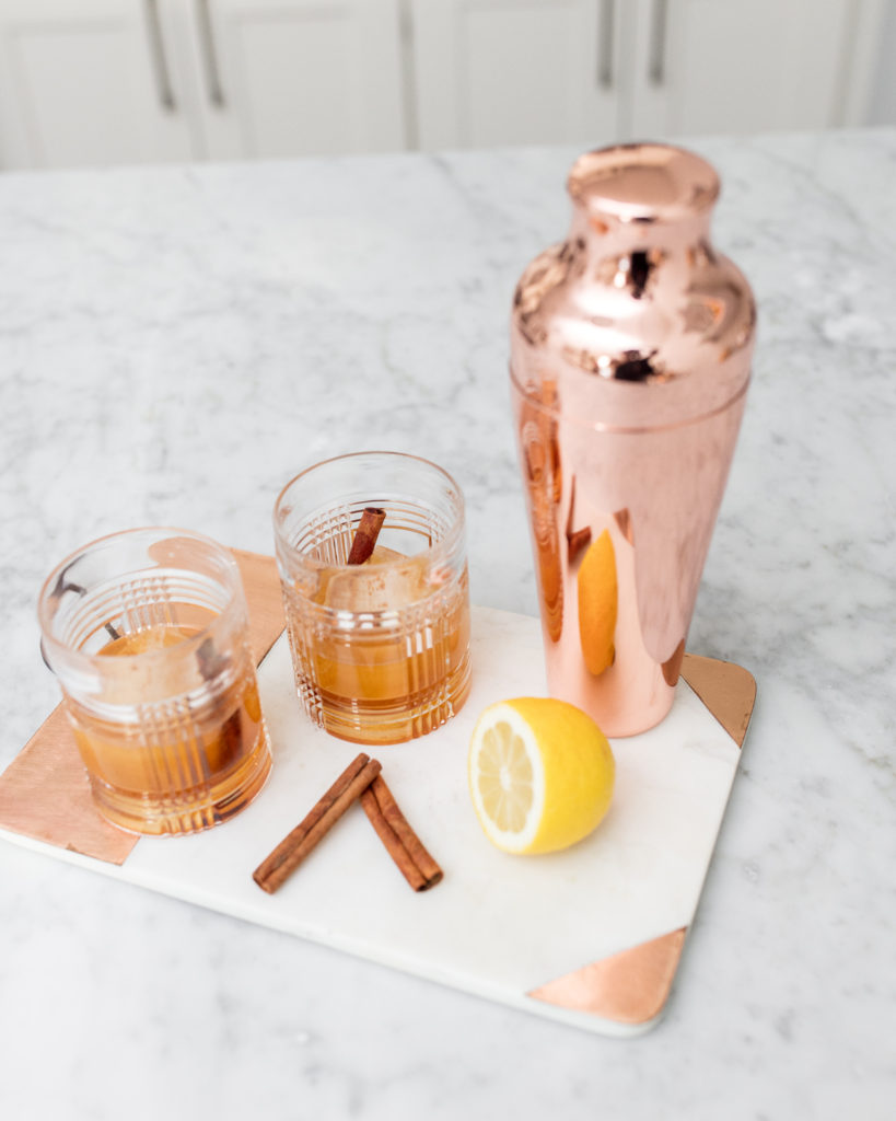 cinnamon whiskey sour, whiskey, cocktails, seasonal drinks, recipe, how-to, fall drinks