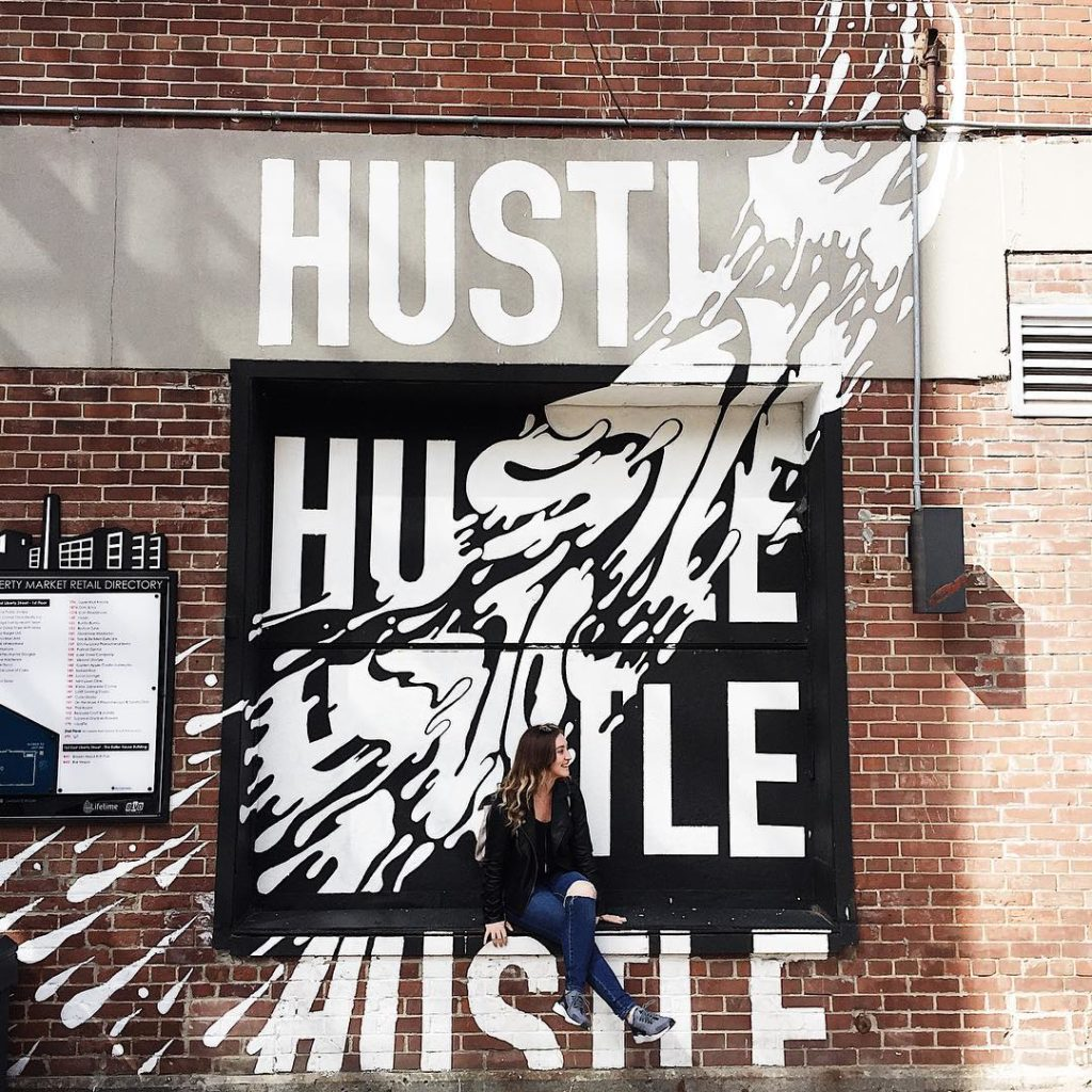 hustle mural, liberty village